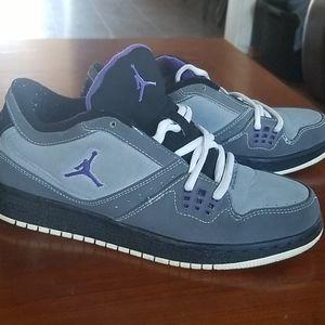 Kids sneakers size 5.5y